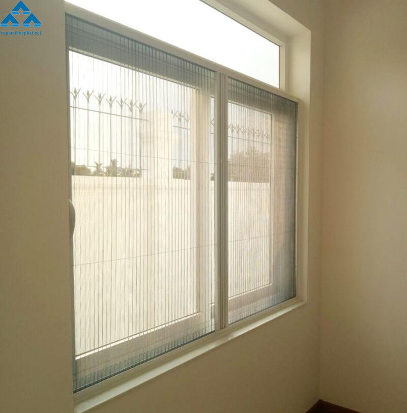 Cửa lưới chống muỗi dạng xếp của Hòa Phát dùng cho cửa sổ